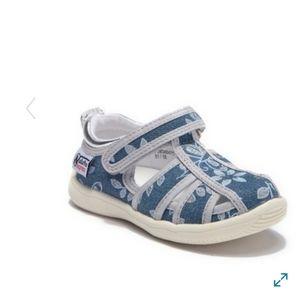 NWT Naturino Express Velcro Shoes (10)